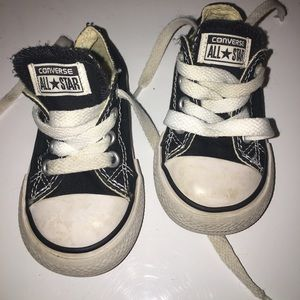 Toddlers converse